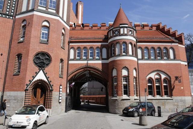 Budynek dawnej Giełdy Zbożowej w Gliwicach wygląda po przebudowie znakomicie.Zobacz kolejne zdjęcia. Przesuwaj zdjęcia w prawo - naciśnij strzałkę lub przycisk NASTĘPNE