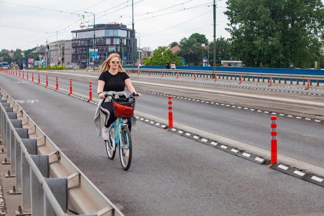 """Serwis Centrum Rowerowe przeanalizował warunki dla rowerzystów w największych miastach w Polsce i opublikował ranking """"Top 9 rowerowych miast Polski"""". W zestawieniu ogólnym Kraków zajął siódme miejsce."""
