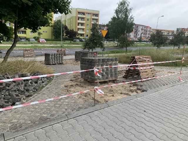 Zjazd na ulicę Prostą funkcjonował przez 1,5 roku. Teraz został zlikwidowany, co wzbudziło duże zainteresowanie mieszkańców osiedla Zacisze w Zielonej Górze