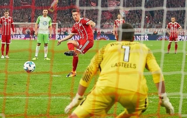 PSG-Bayern transmisja na żywo [PSG- Bayern LIVE NA ŻYWO 27.09. ONLINE I W TV] Liga Mistrzów na żywo. Dziś hitowe starcie w najbardziej prestiżowym turnieju piłkarskim. PSG zagra u siebie z Bayernem Monachium. TRANSMISJA MECZU PSG-BAYERN na żywo online i w tv. MECZE NA ŻYWO 27.09.