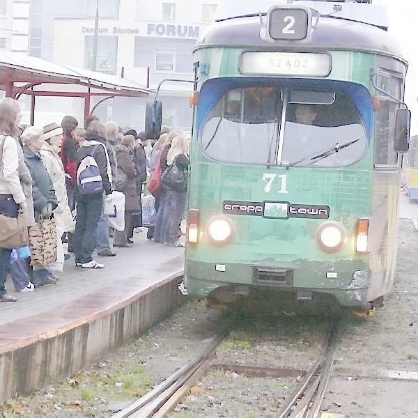 Grudziądzkie tramwaje i pasażerowie czekają na modernizację torowisk jak na zbawienie