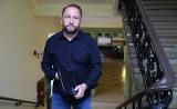 Kamil Durczok może trafić do więzienia nawet na 25 lat! Grozi mu taka sama kara jak za zabójstwo. Durczok z zarzutem