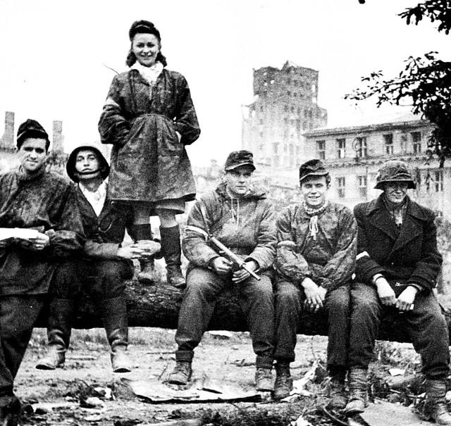 Całkowita zagłada i ogromne straty ludzkie wywarły  wielki wpływ na dalsze losy stolicy i Polski