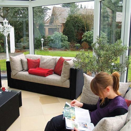 Ogród zimowy podnosi atrakcyjność domu.