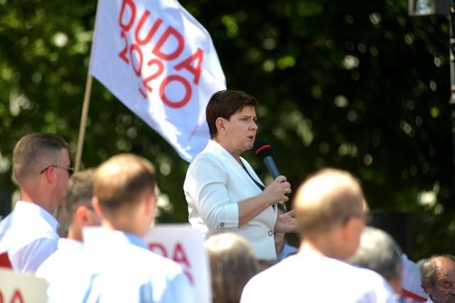 W niedzielę na placu Corazziego w Radomiu odbyło się spotkanie byłej premier, Beaty Szydło z mieszkańcami Radomia.