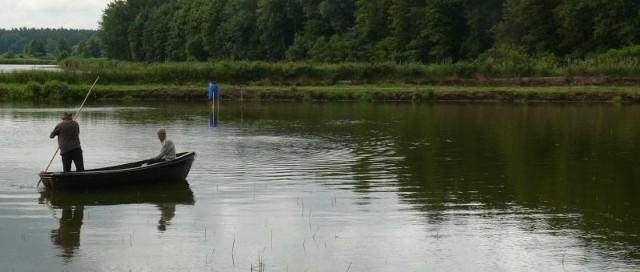 Przy gospodarstwie rybackim w Rzeszówku otwarto nowe, 90-arowe łowisko, do którego wpuszczono 1,5 tony ryb spokojnego żeru.