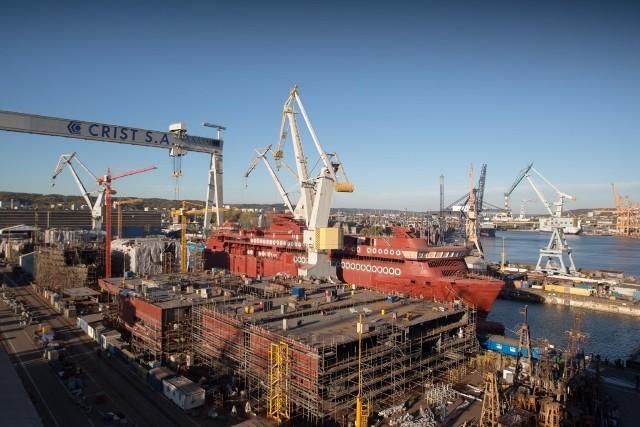 """Największy prom hybrydowy świata """"Color Hybrid"""" opuścił stocznię Crist i popłynął do Norwegii"""