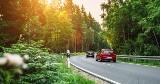 Czy wiesz, czym najchętniej jeżdżą Polacy? Sprawdzamy, jakie auta najczęściej spotkasz na rodzimych drogach!