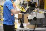 Boże Narodzenie 2021. Amazon zatrudni 9 tysięcy pracowników sezonowych na okres przedświąteczny. Ile można zarobić? [STAWKI, WYMAGANIA]