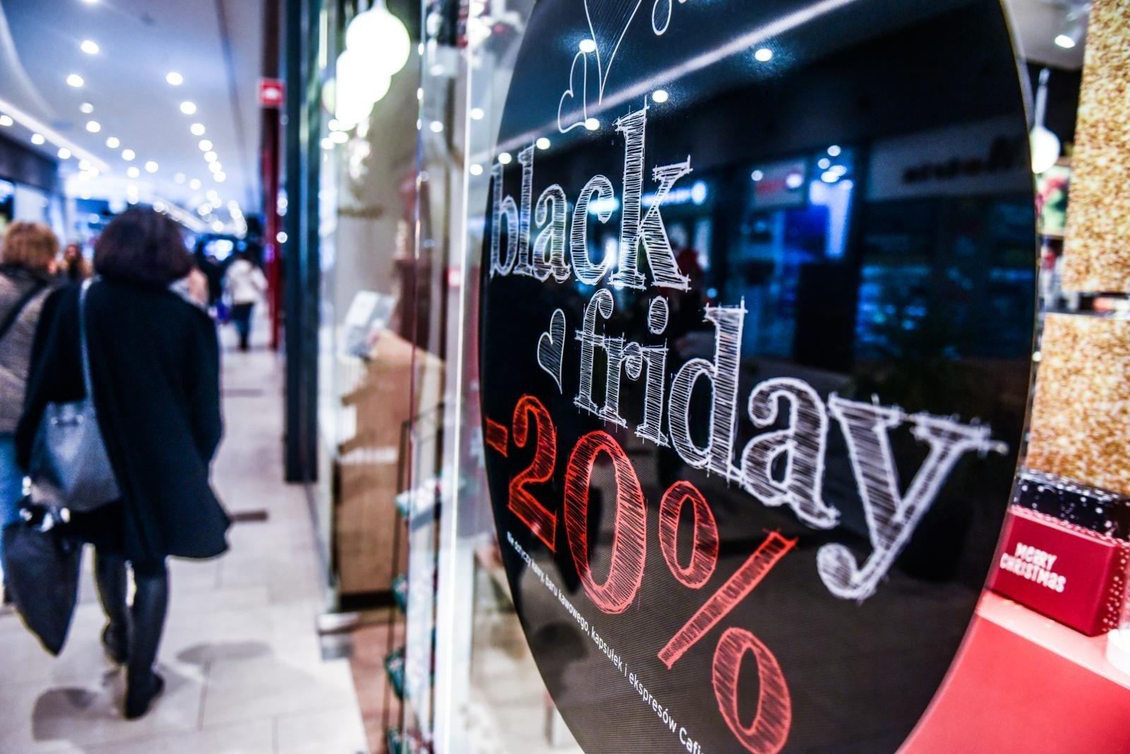 10ed28f049d783 Z okazji Black Friday także centra handlowe i sklepy w Poznaniu  przygotowały dla klientów szereg promocji