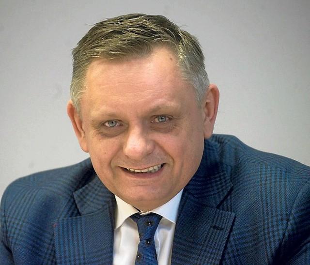 Prezydent Piotr Jedliński przez godzinę odpowiadał na pytania przez telefon, a drugą godzinę - na te nadesłane do redakcji