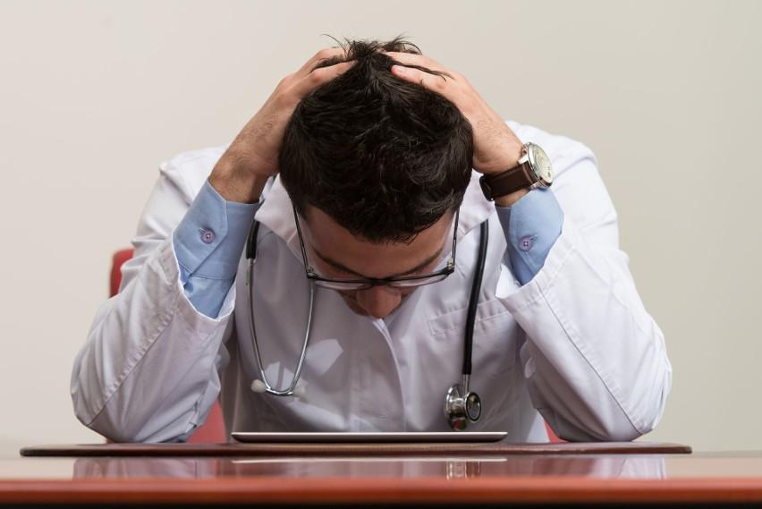 Służba zdrowia ma teraz ręce pełne naprawdę ważnej roboty....