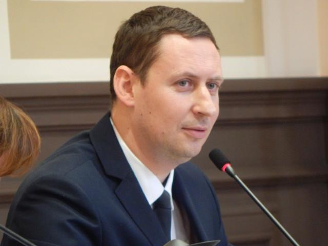 Bartłomiej Bartczak już trzecią kadencję zasiada w fotelu  burmistrza Gubina. Czy rządzi dobrze?  Głosowanie:  OCW.19.TAK lub OCW.19.NIE