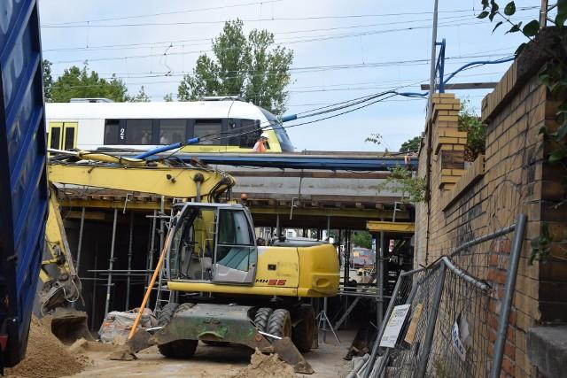 Przebudowa wiaduktu kolejowego nad ulicą Batorego w Zielonej Górze - stan prac z 5 sierpnia 2019 roku