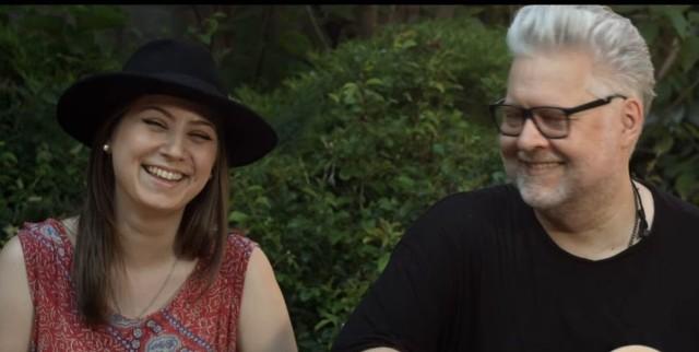 """Zuzanna oraz Artur Gadowscy nagrali klip do utworu """"Jak Skała"""" w pięknych okolicznościach przyrody."""