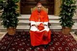 Niedawny zausznik papieża przekazał 500 tys. euro 39-latce, ta kupowała drogie buty i ciuchy