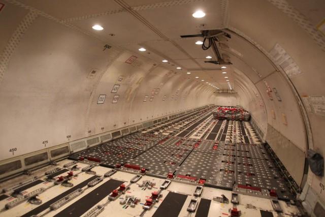 20.11.2018 jasionka samolot cargo boeing 767 bedzie bazowal w jasionce fot krzysztof łokaj / ppg