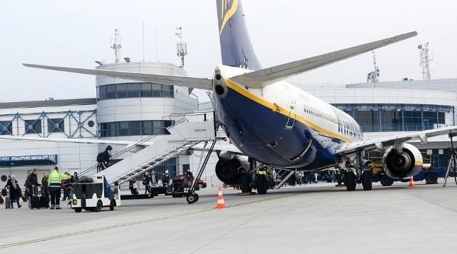 Marszałek województwa mówi, że mogą być zagrożone sierpniowe wypłaty dla pracowników portu lotniczego