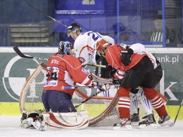 Sanoccy hokeiści muszą zmierzyć się z Podhalem lub Legią nim zagrają w półfinale Pucharu Polski.