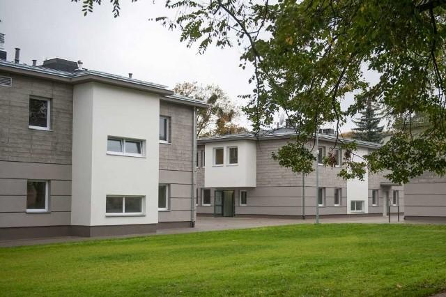 Nowa siedziba Domu Dziecka nr 2 składa się z trzech nowoczesnych budynków - jednego administracyjnego i dwóch mieszkalnych