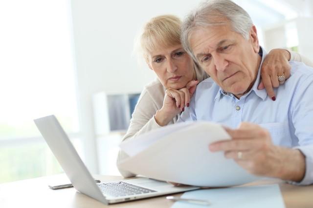 Na rynku z każdym rokiem pojawia się coraz więcej skierowanych do osób starszych ofert renty dożywotniej.