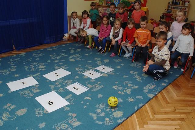 Świeto Niepodleglości u przedszkolakówŚwieto Niepodleglości w przedszkolu nr 22 w Koszalinie