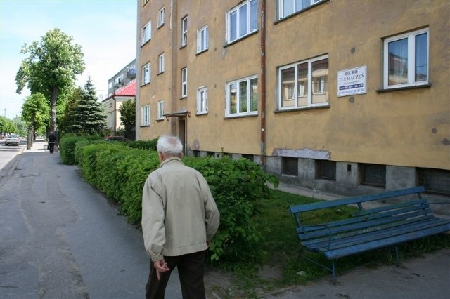 W  bloku nr 2 przy ul. Lubiejewskiej przed naszą interwencją spadający tynk mógł komuś zrobić krzywdę.