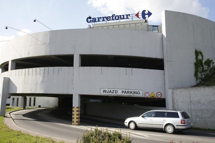 W Carrefour Express zakupy można zrobić bez wychodzenia z...
