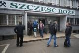 Wstrząs i wypadek w kopalni Wujek - Śląsk: Dopływ tlenu i woda dają nadzieję, że górnicy nadal żyją