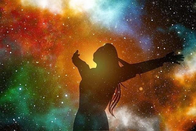 Horoskop miesięczny na sierpień 2020 pokazuje, że to będzie czas sprzyjający decyzjom. Ale wakacje to czas rozluźnienia, jednak znaki nie powinny tracić czujności. Kto musi bardziej zadbać o zdrowie? Wróżka Lorelei przygotowała horoskop miesięczny dla każdego ze znaków.Sprawdź na kolejnych zdjęciach horoskop dla siebie >>>
