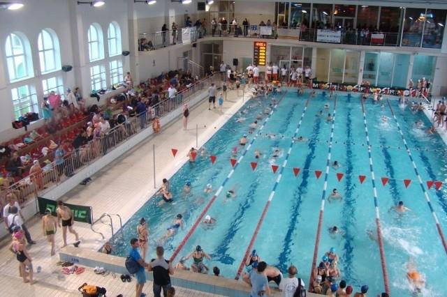 Przez łańcucki basen przewinęły się setki młodych zawodników.