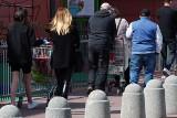 Koronawirus a ograniczenia w handlu. Godziny zakupów dla seniorów: dla handlu to i horror i straty