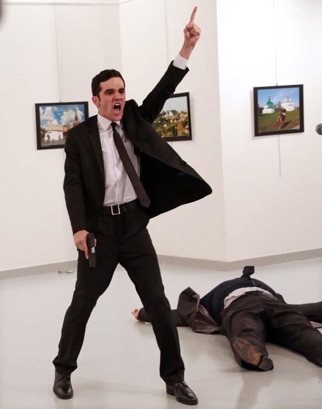 Laureat I nagrody World Press Photo, czyli śmierć Andrieja Karlowa w obiektywie Burhana Ozbiliciego