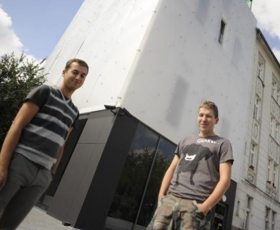 Na razie chlubą GSW jest budynek Artpunktu. Jego otwarcie w sobotę. Józef Chyży i Ignacy Nowodworski już dziś zapraszają tam na warsztaty. Kolejna inwestycja galerii ma być prawie dziesięć razy droższa.