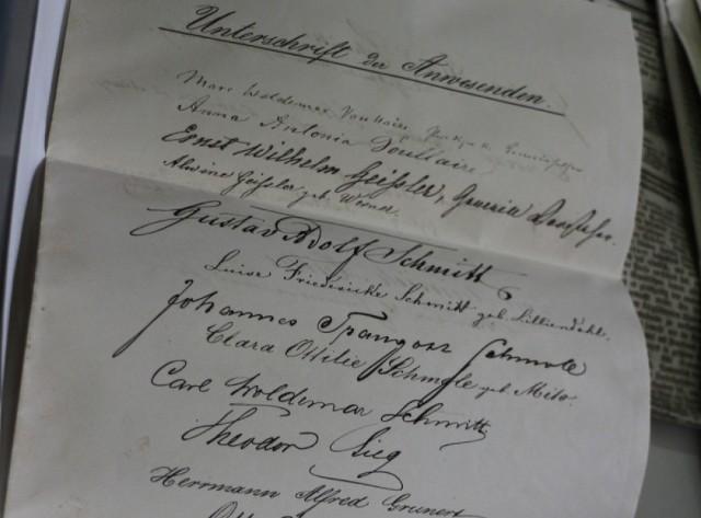 Poznaliśmy treść niemieckiego listu sprzed 142 lat, który odnaleziono w kapsule czasu z kamienicy przy ul. Wrocławskiej 9.