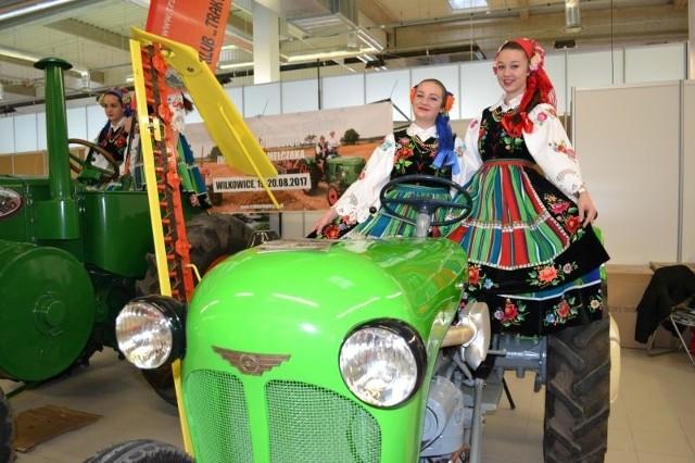 W Nadarzynie, koło Warszawy, po raz drugi zorganizowano Centralne Targi Rolnicze. To ważna impreza dla osób zainteresowanych techniką rolniczą, innowacjami w rolnictwie i produkcją żywności najwyższej jakości. Targi rozpoczęły się 30 listopada, potrwają do 2 grudnia w Międzynarodowym Centrum Kongresowym PTAK WARSAW EXPO.