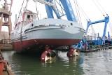 Wodowanie i chrzest niszczyciela min ORP Mewa i holownika H-13 Przemko w Stoczni Remontowa Shipbuilding SA. [ZDJĘCIA]