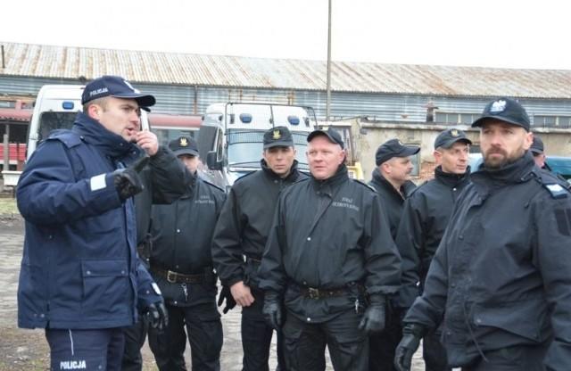 Policja szkoliła Straż Ochrony Kolei w Białymstoku