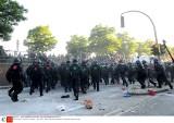 Szczyt G20 w Hamburgu: Ponad 100 policjantów rannych w starciach z demonstrantami