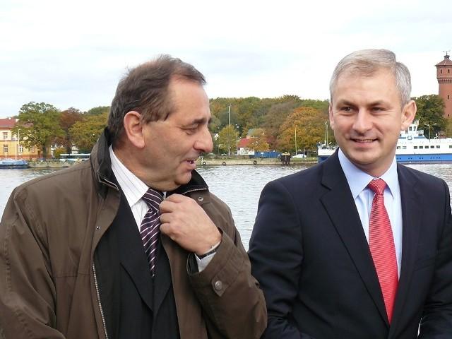 Na zdjęciu obecny prezydenta Świnoujścia i kandydat na kolejną kadencję Janusz Żmurkiewicz z przewodniczącym SLD Grzegorzem Napieralskim.