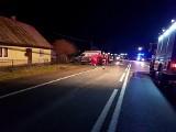 Wypadek w Nowej Wsi koło Łabowej. Samochód potrącił pieszych. Zginęła babcia i wnuczka, jedna osoba ranna