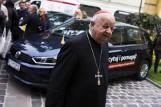 Papieski golf może być Twój! Samochody można już licytować na Allegro [ZDJĘCIA]