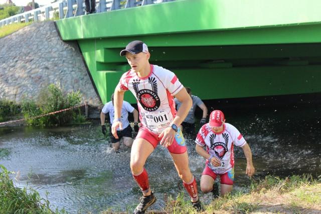 Bieg dla twardzieli organizowany m.in. przez Wojciecha Andrzejewskiego, który prowadzi w plebiscycie Człowiek Roku Krono 2016 w powiecie międzyrzeckim