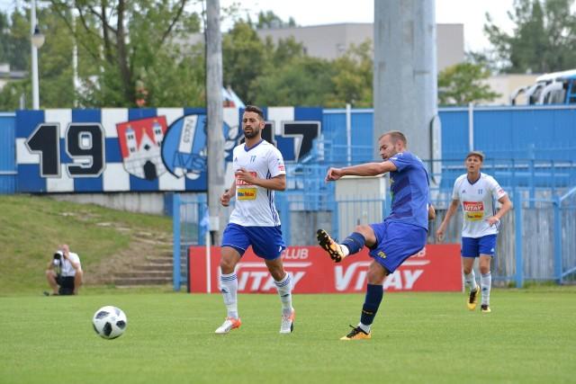 Nico Varela (po lewej) zdobył pierwszy z dwóch goli Wisły w towarzyskim meczu ze Stomilem.