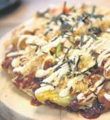 Życie ze smakiem. Placuszki z kapusty - okonomiyaki [PRZEPIS]