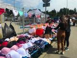 Wielkie targowanie na bazarze przy ul. Dworaka w Rzeszowie [ZDJĘCIA]