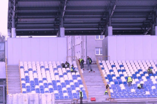 Prace na stadionie w Mielcu nadal nie są zakończone. Wiadomo już, że Stal pierwszy mecz w roli gospodarza zagra w Tarnobrzegu.