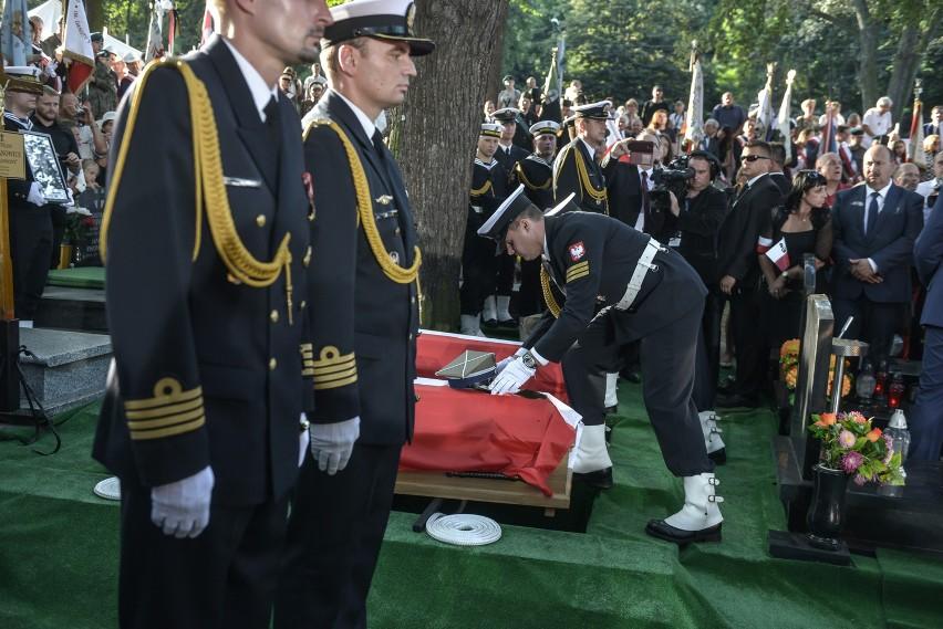 Pogrzeb Inki i Zagończyka na Cmentarzu Garnizonowym