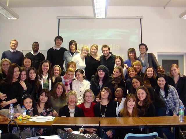 Studencka grupa autorki tekstu - ponad 30 osób... 21 narodowości.