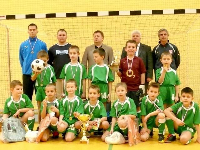 Zwycięska drużyna Akademii Piłkarskiej.